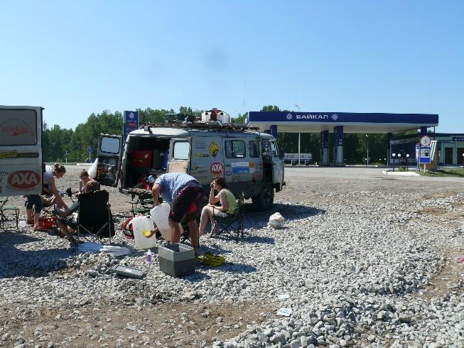 Brokastis pie degvielas stacijas ar mums zīmīgo nosaukumu