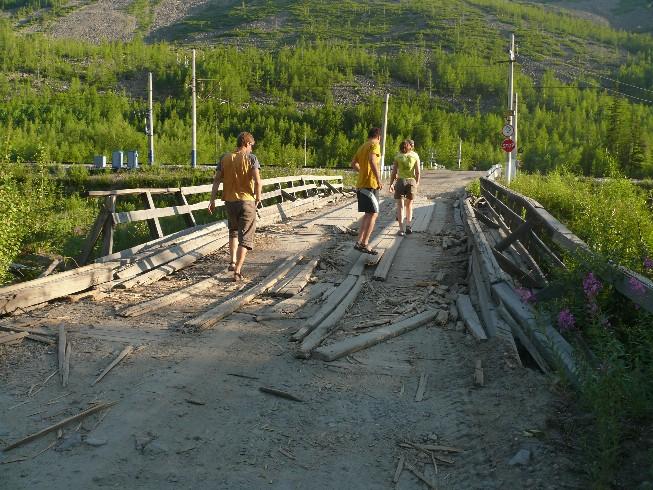 Tilts kalnu pārejā